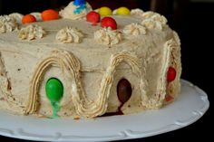 Tort Peanut Butter Jelly Cake with M&M's