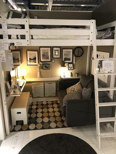 Cute Bedroom Decor, Room Design Bedroom, Room Ideas Bedroom, Home Room Design, Loft Beds For Small Rooms, Loft Bed Plans, Dorm Room Designs, Small Room Design, Cozy Room