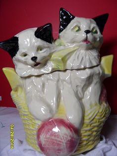 RARE MCCOY KITTEN / CAT COOKIE JAR - KITTENS IN BASKET WITH YARN VERY NICE