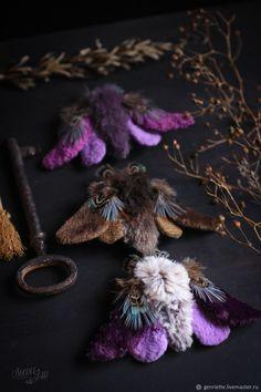 Брошь-мотылек текстильный – купить в интернет-магазине на Ярмарке Мастеров с доставкой