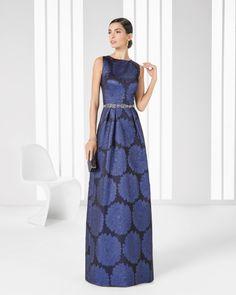 Rosa Clarà Cocktail, collezione 2016, abito di broccato stampato e strass  (blu)
