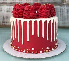 Cake Decorating Frosting, Cake Decorating Designs, Cake Decorating Videos, Birthday Cake Decorating, Christmas Themed Cake, Christmas Cake Designs, Christmas Desserts, Christmas Baking, Elegant Birthday Cakes