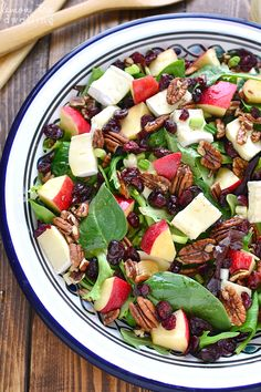 This Apple Brie Salad combines the crispness of apples with the creaminess of Brie cheese in a delicious salad that's perfect for winter! Apple Salad Recipes, Pasta Recipes, Cooking Recipes, Cooking Ideas, Food Ideas, Healthy Salads, Healthy Eating, Healthy Recipes, Healthy Lunches