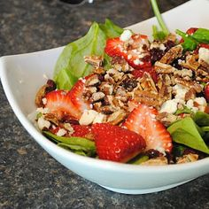 Strawberry and Pecan Salad | The Blonde Can Cook