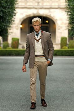 Sean gale burke : photo preppy look, preppy style men, classy style, ivy. Fashion Guys, Preppy Mens Fashion, Mens Fashion Suits, Preppy Style Men, Fashion Fashion, Geek Chic Fashion, Classy Style, Fashion Boots, Womens Fashion
