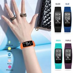 Smart watch for giveaway is best idea, Add  a unique items to corporate gifts collection for the year 2018 gifting scenario on occasions. #corporategifts