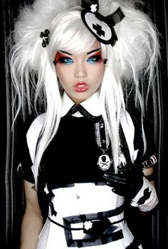 white hair! I've been looking for white hair pics! Love this one!