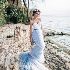 Bohemian Wedding Dress / Two Piece Wedding Dress / Corset Sky | Etsy Tulle Wedding Skirt, Bohemian Wedding Dresses, Colored Wedding Dresses, Blue Wedding Gowns, Bridal Skirts, Sky Blue Weddings, Beach Weddings, Two Piece Wedding Dress, One Shoulder Wedding Dress