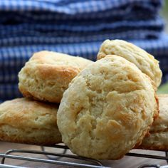 The Secret To The Perfect Biscuit May Not Be The Flour : The Salt : NPR Buttermilk Recipes, Buttermilk Biscuits, Fluffy Biscuits, Buttermilk Chicken, Crock Pot Bread, Kulfi Recipe, Savoury Biscuits, Tasty Bread Recipe, Food Tasting