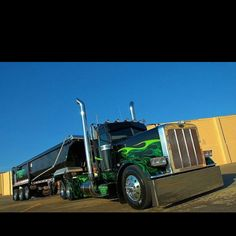 Black & Green Peterbilt, Pat Eilen, Eilen and sons, Hampton MN. Show Trucks, Big Rig Trucks, Dump Trucks, Hot Rod Trucks, Dump Trailers, Custom Trailers, Peterbilt 379, Peterbilt Trucks, Custom Big Rigs