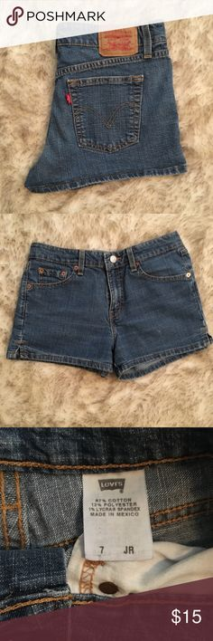 Levi's Jean shorts Levi's Jean shorts. These are a junior size 7 but they fit me perfectly and I am a 26/27. Great fit Levi's Shorts Jean Shorts