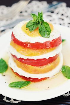 Simply Gourmet: 166. Grilled Peach Caprese Salad