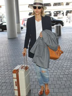 10 Airport Shoes That Are Cute and Comfortable via @WhoWhatWear