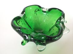 Hey, I found this really awesome Etsy listing at https://www.etsy.com/listing/227063412/italian-murano-glass-bowl-1960s-emerald