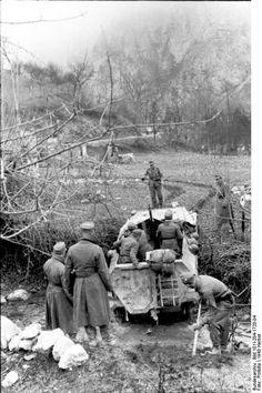 German Schützenpanzer near   Bach-Überquerung. Balkans, 23 September 1943