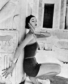 1951    Doe is wearing a Claire McCardell jumpsuit. Photographed by Richard Avedon at Queen Hatshepsut's Temple. thanks to skorver1
