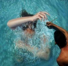 Parece una mujer nadando, pero si la mirás de cerca te sorprenderás