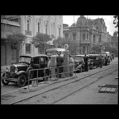 #chile #santiago #alameda Santa Lucia, San Diego, San Francisco, Gas Station, Old Photos, Places To Travel, Street View, Black And White, History