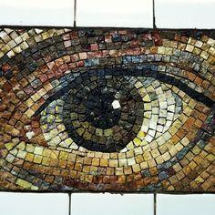 Eye Mosaic Paper Mosaic, Mosaic Crafts, Mosaic Projects, Art Projects, Mosaic Pots, Mosaic Glass, Mosaic Tiles, Glass Art, Stained Glass
