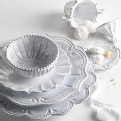 Shop the pottery Incanto Stripe Covered Sugar Bowl by Vietri, crafted in Italy, the earthenware everyday white dinnerware set has an organic, rustic style. White Dinner Plates, White Dishes, Dinner Plate Sets, Dinner Sets, White Dinnerware, Vintage Dinnerware, Italian Pottery, Charger Plates, Cereal Bowls