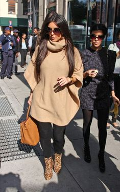 The very beautiful Kim Kardashian - Ralph Lauren Blue Label cashmere high neck poncho & leopard booties Mode Outfits, Winter Outfits, Casual Outfits, Fashion Outfits, Womens Fashion, Fashion Trends, Look Kim Kardashian, Kardashian Shoes, Kardashian Fashion