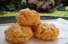 Gourmet Girl Cooks: Sunday Brunch...Eggs, Bacon & Easy Cheddar Black Pepper Biscuits