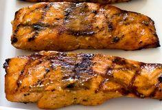 The easy recipe of salmon to maple and Dijon mustard! Healthy Potato Recipes, Fish Recipes, Healthy Dinner Recipes, Gourmet Recipes, Great Recipes, Vegetarian Recipes, Cooking Recipes, Favorite Recipes, Recipies