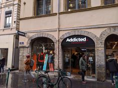 Enseigne Lumineuse à Lyon Addicted Lyon, Red And White, Flag, Boutique Online Shopping