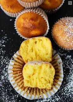 Magdalenas Naranja y de Leche Condensada Cupcake Flavors, Cupcake Recipes, Dessert Recipes, Desserts, Mexican Sweet Breads, Mexican Food Recipes, Sweet Recipes, Fondant Cakes, Cupcake Cakes