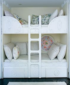 Nifty bunks.  I think you could do the embellishments using plaster in a cake decorator bag.