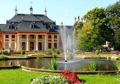 #Schloss #Pillnitz in Pillnitz, Sachsen; Anreise ab Dresden, Übernachtungen zu Ostern ab 62€/Nacht/Zimmer; Foto: Nikater, Lizenz: CC-BY-SA-3.0 (http://creativecommons.org/licenses/by-sa/3.0/), Buchung: http://www.easyvoyage.de/hotels/dresden/city-herberge-234184