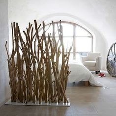 The post Netter Raumteiler super Idee . appeared first on Raumteiler ideen. Wood Room Divider, Room Dividers, Diy Casa, Bamboo Wall, Home And Deco, Home Decor Inspiration, Driftwood, Diy Furniture, Furniture Design