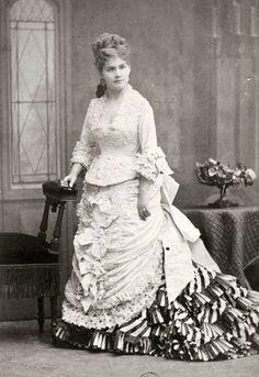 Fotografia vitoriana de meados do século 19, fotografia com valor de culto, identifica e presencia