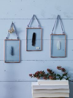 Three Delicate Hanging Frames - Copper - Photo Frames - Decorative Home - Indoor Living Copper Frame, Hanging Frames, Hanging Photos, Diy Home Decor Bedroom, Bedroom Ideas, Deco Design, Home Decor Accessories, Modern Rustic, Picture Frames
