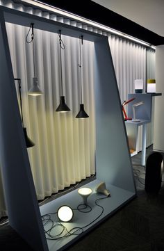 Lighting stores in Milan: Let's find out how you can elevate your mid-century modern home decor Lighting Showroom, Interior Lighting, Lighting Stores, Display Lighting, Led Shop, Shop House Plans, Coffee Design, Design Blogs, Design Ideas