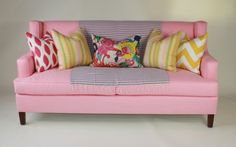 the bf would never allow it... but I love a pink couch =)