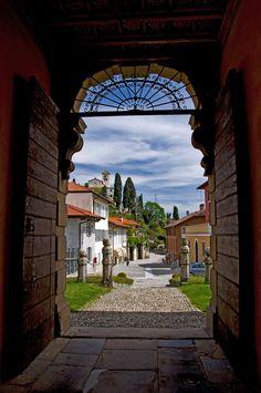 Montevecchia - Sanctuary Background...