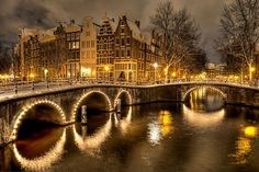 Beautiful ..... Winter's Night, Amsterdam, The Netherlands  photo via cathy