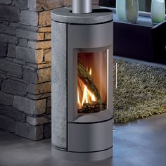 Hearthstone BARI DV 8180 GAS Heats up to: Up to 1,300 sq. ft. Burn Rate Range:  15,000 - 26,500 BTUs (NG) 15,000 - 26,500 BTUs (LP) Steady State Efficiency:  74% (NG) 76% (LP) EnerGuide Rating: 55.76% Remote Control Thermostat: Included