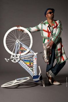 If It's Hip, It's Here (Archives): Be Cycle & Fashion. 12 Designers Customize Bikes For Charity. Montague Bike, Bike Messenger, Cycle Chic, Gear S, Bike Style, Bicycle Design, My Ride, Custom Bikes, Cool Bikes