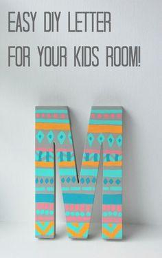 Easy DIY painted monogram door letter // via the sweetest digs