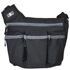 ลดราคา  Diaper Dude กระเป๋าผ้าอ้อม สำหรับคุณพ่อ รุ่น Messenger I - สีดำ  ราคาเพียง  2,340 บาท  เท่านั้น คุณสมบัติ มีดังนี้ เหมาะเป็นของขวัญสำหรับคุณพ่อมือใหม่ ผลิตจาก ผ้าโพลีเอสเตอร์คุณภาพสูง ทนทาน ออกแบบให้เหมาะกับสรีระ (ergonomic design) นำเข้าจาก USA