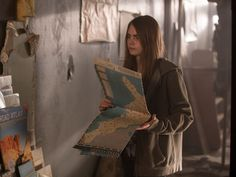 Trailer for Paper Towns Starring Cara Delevingne - Paper Towns by John Green Movie News