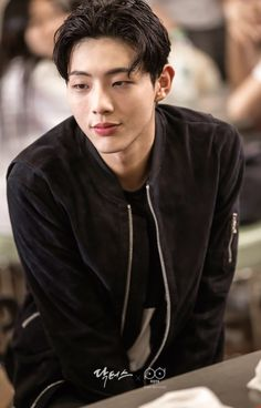 Find images and videos about korea, jisoo and ji soo on We Heart It - the app to get lost in what you love. Park Hyun Sik, Lee Jong Suk, Korean Men, Asian Men, Strong Girls, Strong Women, Asian Actors, Korean Actors, Ji Soo Actor