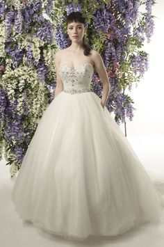 Diana Dors • This Jade Daniels wedding dress collection is all about old school Hollywood glamour