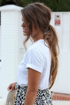 messy ponytail love it I could never look cute with a messy ponytail. She can