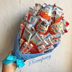 Bouquet kinder - Kinder ideen Bouquet kinder Bouquet kinder The post Bouquet kinder appeared first on Kinder ideen. Candy Gift Baskets, Diy Gift Baskets, Candy Gifts, Candy Bouquet Diy, Diy Bouquet, Food Bouquet, Friend Birthday Gifts, Diy Birthday, Homemade Gifts
