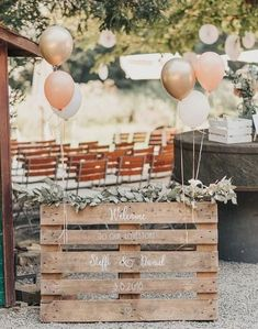 Outdoor Wedding Venues, Indoor Wedding, Wedding Decorations On A Budget, Table Decorations, Decor Wedding, Budget Wedding, Wedding Blog, Wedding Ideas, Fall Wedding Arches