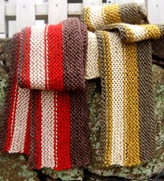 Whit's Knits: Men's Rustic Scarf from Last-Minute Knitted Gifts - Knitting Crochet Sewing Crafts Patterns and Ideas! - the purl bee (it's a knit pattern but love the idea) Crochet Mens Scarf, Crochet Scarves, Knit Crochet, Irish Crochet, Men's Scarves, Knitting Scarves, Crochet Blankets, Scarfs, Free Crochet