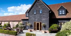 Coltsfoot is a Country Retreat near Datchworth, Herts. It's a very relaxed and homely venue and deffo worth a look if you are thinking of getting married.